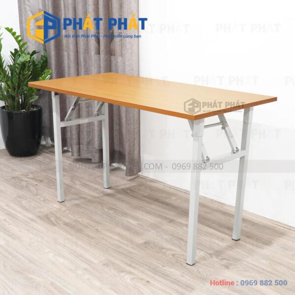 Lựa chọn bàn làm việc đơn giản với thiết kế hiện đại cho văn phòng - 1
