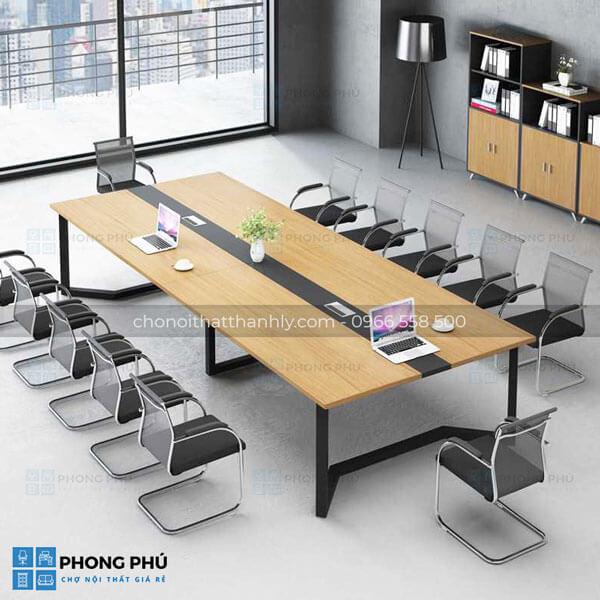 Vì sao các văn phòng, công ty yêu thích bàn họp chân sắt tại hà nội? - 1